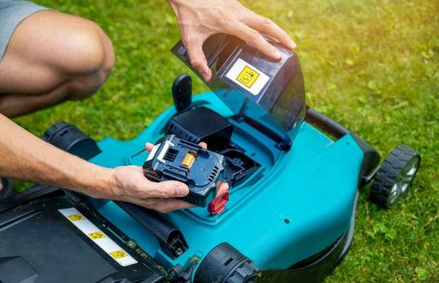 ¿Cómo elegir una batería para tu maquinaria de jardín?