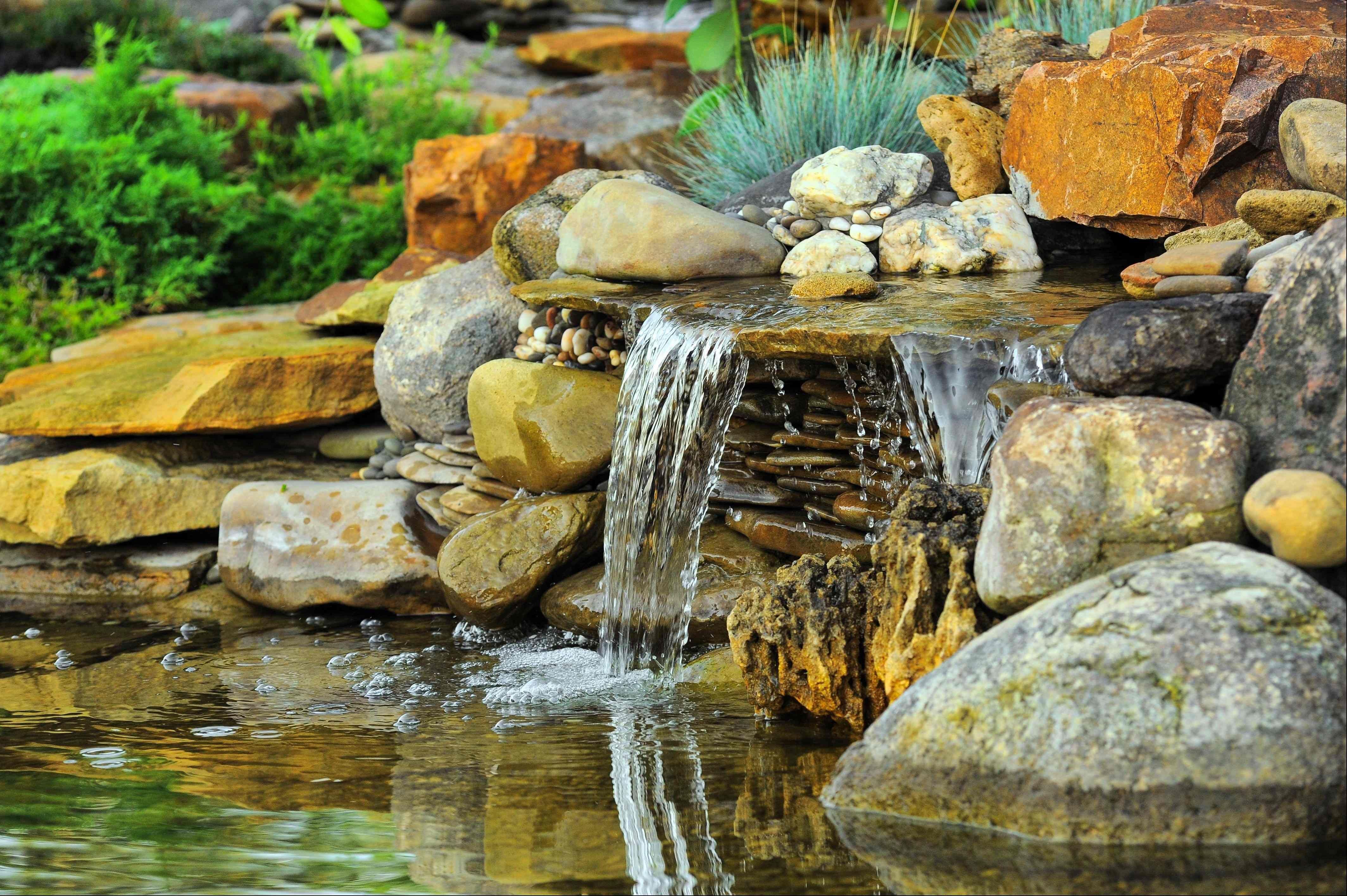 Comment faire  un bassin de jardin avec cascade