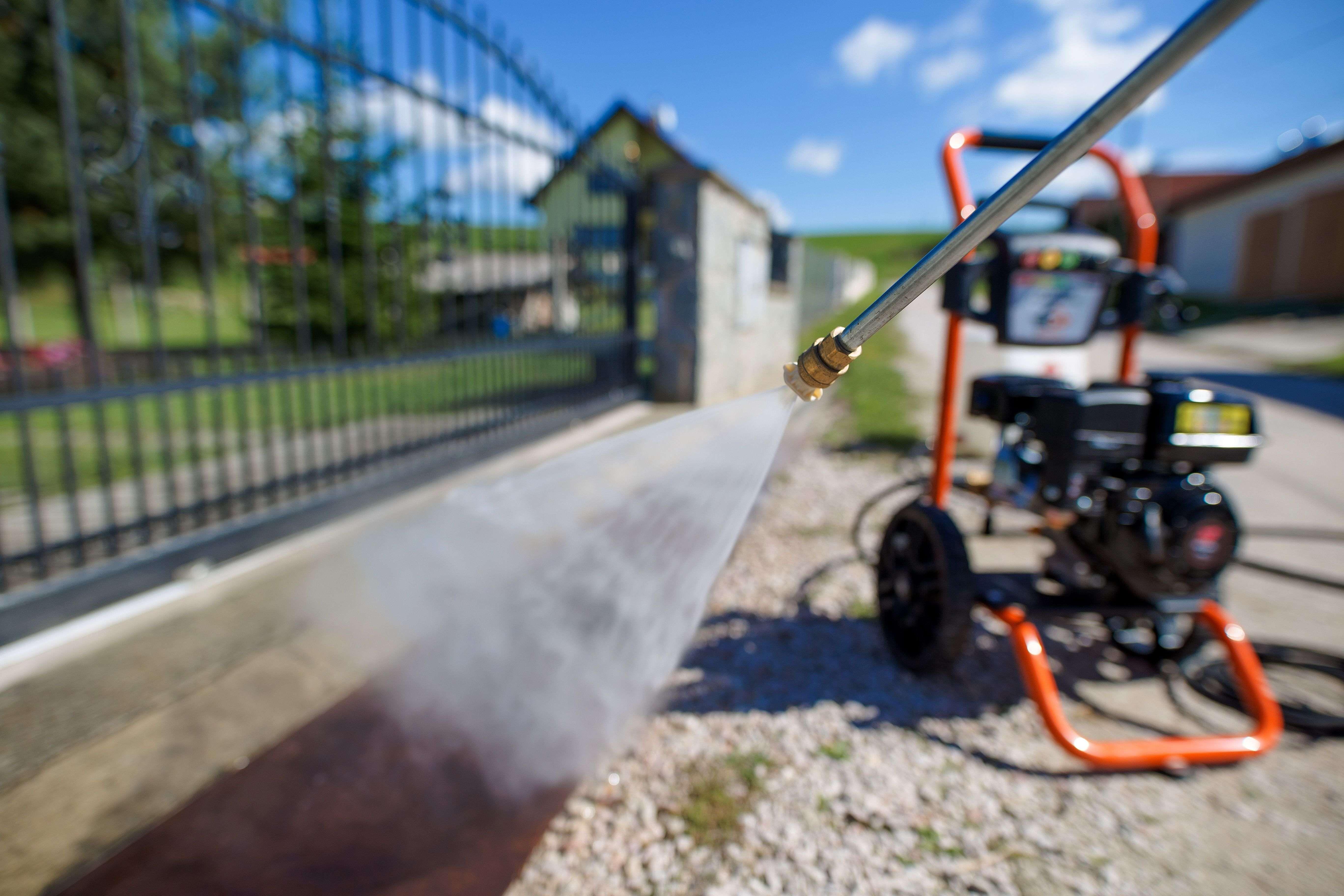 Comment choisir  un nettoyeur haute pression thermique