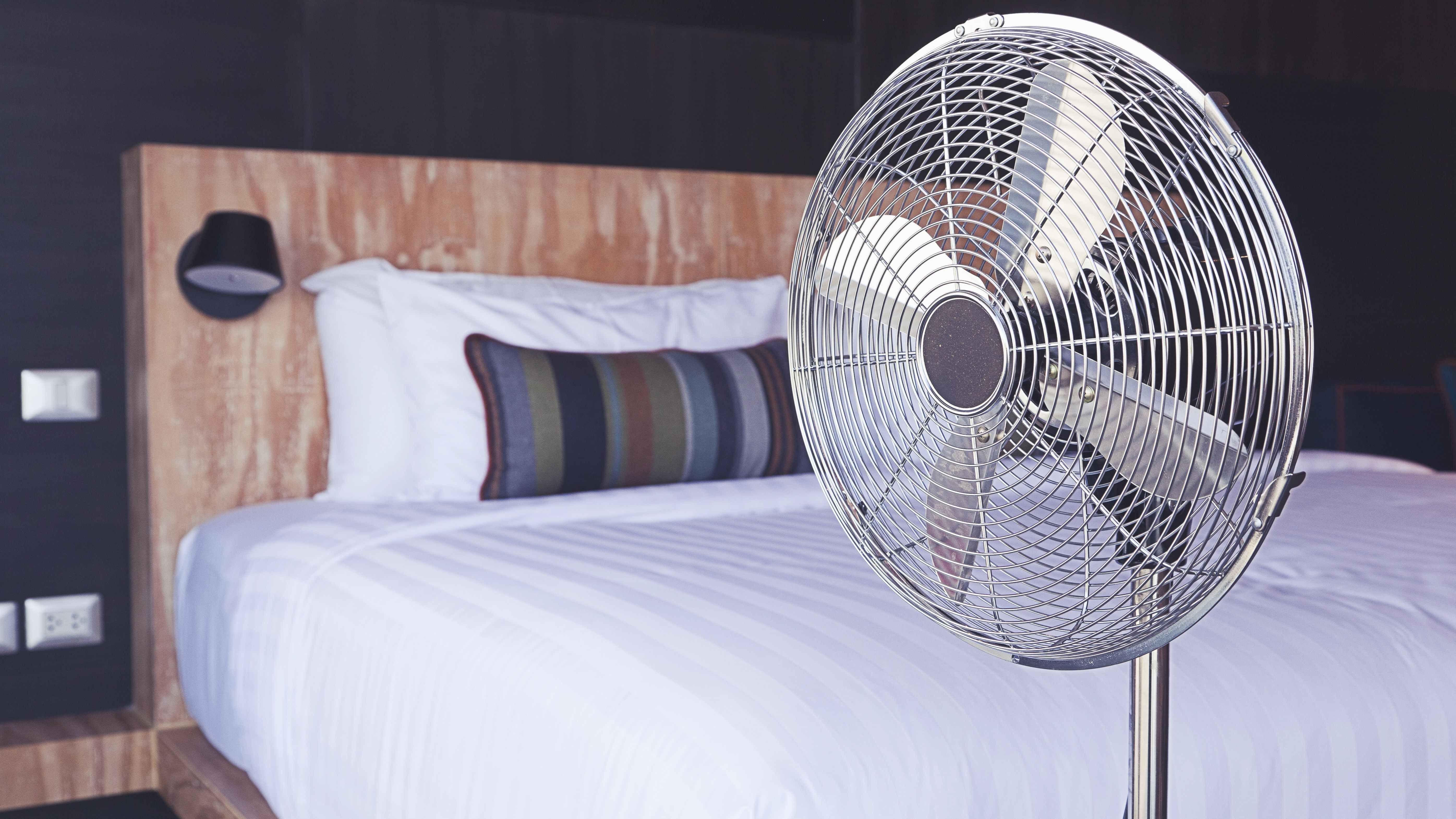 Ventilador o columna de ventilación: cuál de las dos opciones elegir para refrescarse