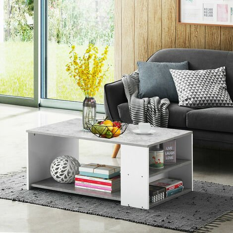 Mesa de centro con un estante