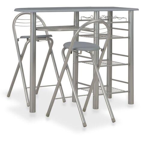 Mesa y taburetes de cocina con estantes de madera y acero gris