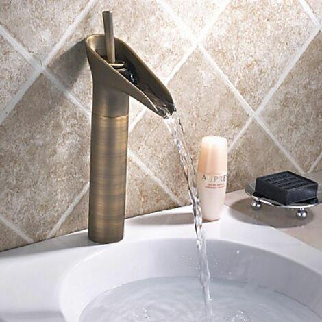 Mitigeur de lavabo effet cascade, style vintage pour une finition en bronze
