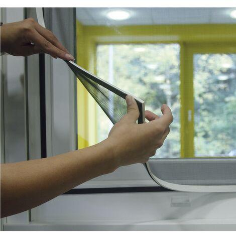 Mosquitera con marco magnético flexible