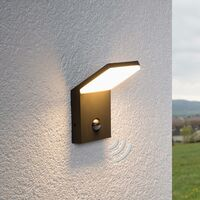 """Outdoor Wall Light """"Nevio""""with motion detector (modern) in Black made of Aluminium (1 light source, A+) from Lampenwelt"""