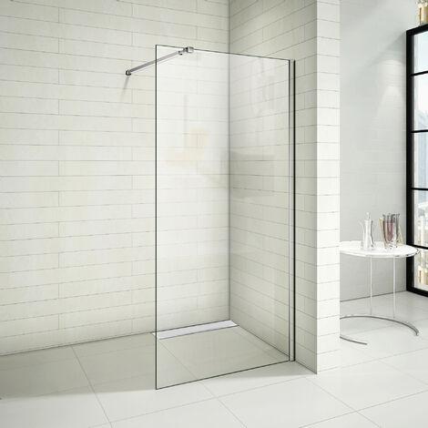 Paroi de douche avec un caniveau de douche italien