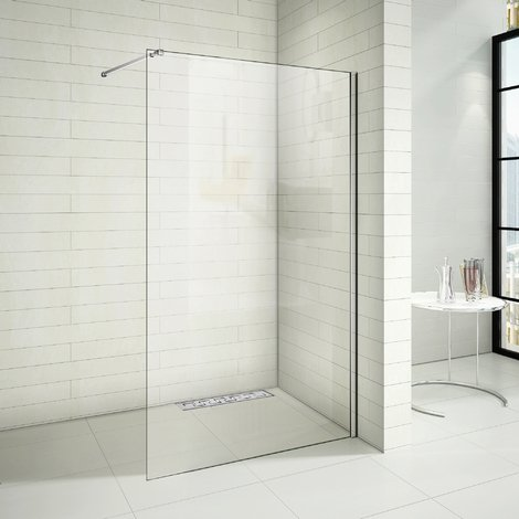 Paroi de douche avec un caniveau de douche italien en modéle de E