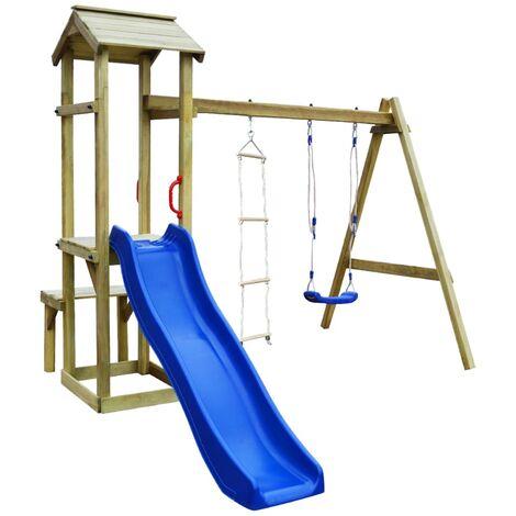 Parque infantil con tobogán, columpio y escalera de madera