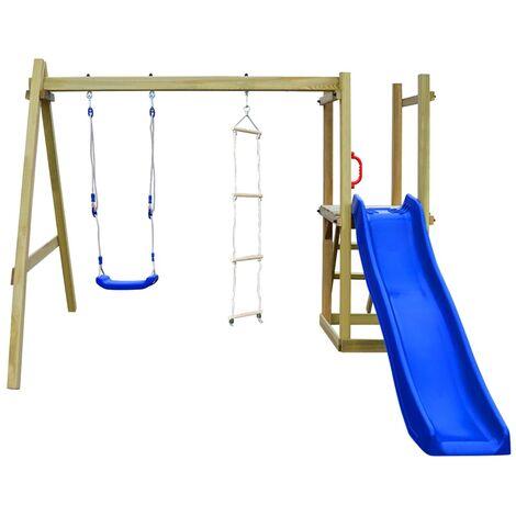 Parque infantil con tobogán escaleras y columpio de madera