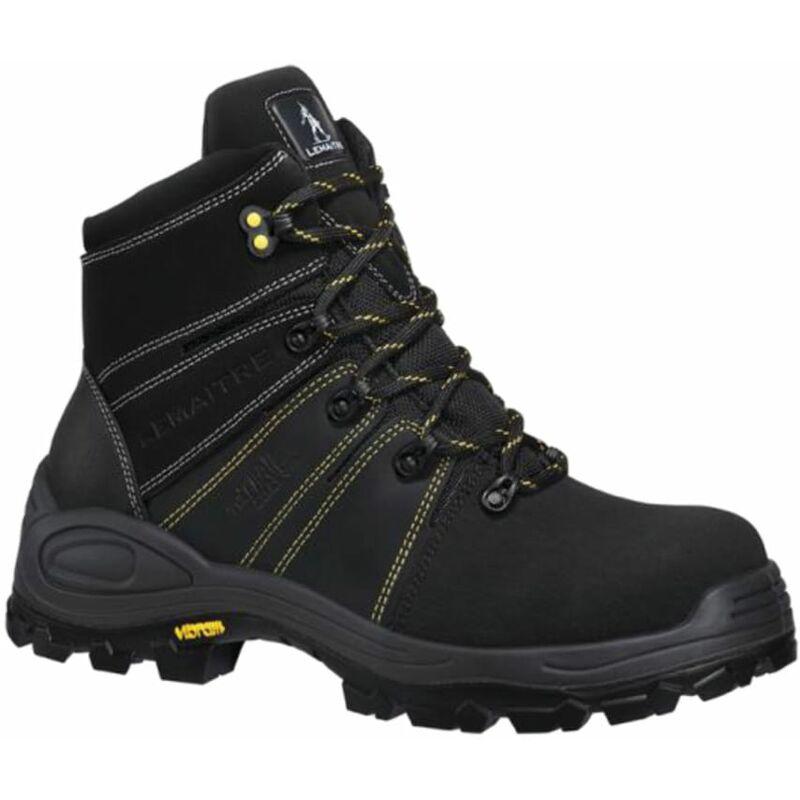 PB243 Trek Noir Black Boot SZ.9 - Perf
