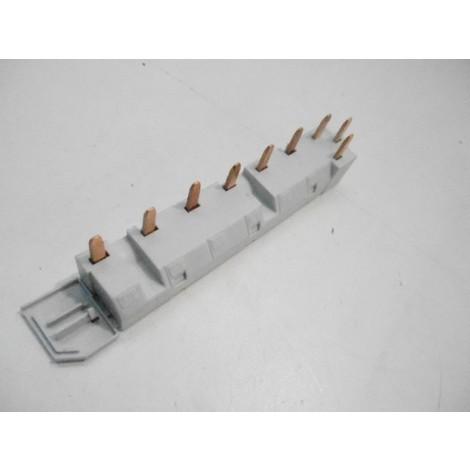 Peigne d'alimentation triphase 3P tête trident 6 modules (2 appareils) LEGRAND 004955