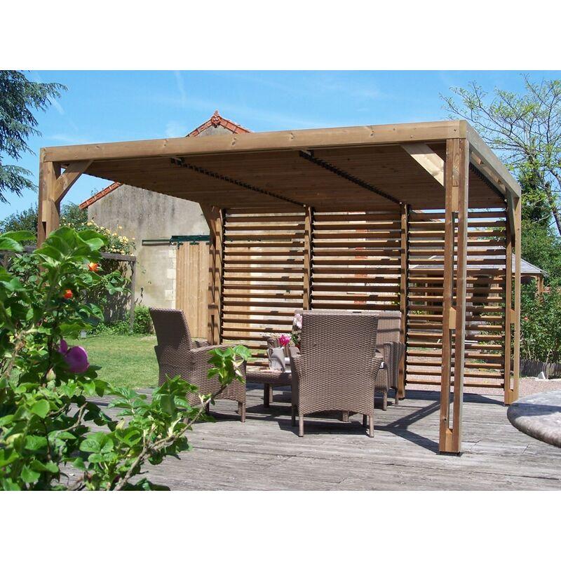 Pergola THERMAUVENT en bois thermo chauffé avec vantelles mobiles sur le  toit et un mur