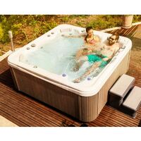 Piscina da esterno vasca idromassaggio Spa Weekend 5 posti 215x190x85 cm