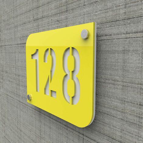 Plaque numéro de rue / maison jaune design avec fond personnalisable - Modèle URBAN - Plexi - 0,6 - Plexi