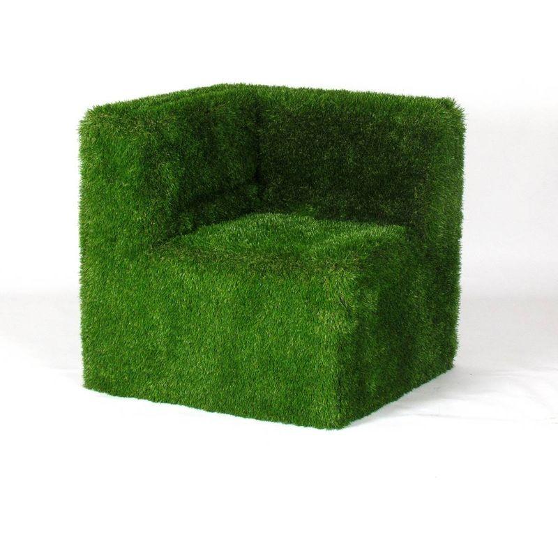 Poltrona Corner cm . 85x85 H.80 rivestito con erba sintetica