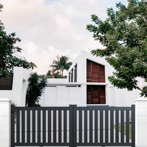 """main image of """"Portail aluminium coulissant ajouré en kit"""""""