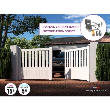 Portail battant BAYA Blanc 9016 - L356 cm X H135 cm en aluminium motorisé Somfy AUTOUR DU PORTAIL