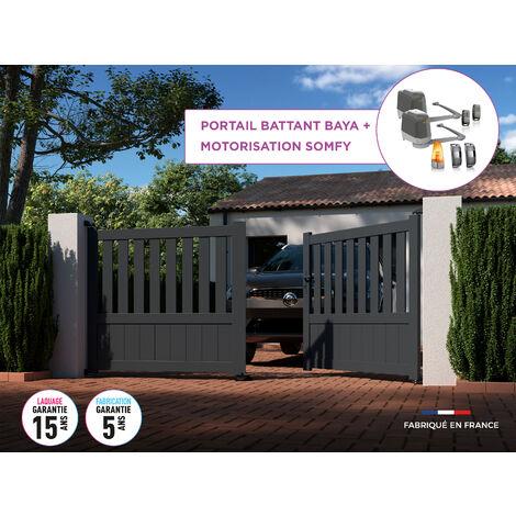 Portail battant BAYA Gris 7016 - L356 cm X H135 cm en aluminium motorisé Somfy AUTOUR DU PORTAIL