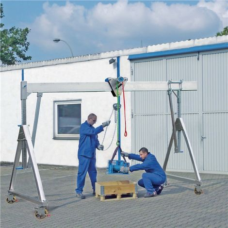 Portalkran Alu.Trgf.500 kg lichte B.4100mm Bau-H.2550-3400mm m.Flaschenzug