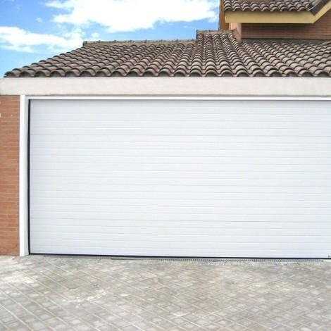 Porte de garage sectionnelle motorisée finition blanc rainuré
