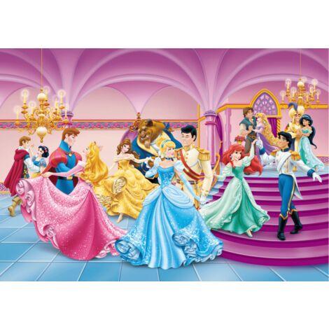 Poster Intissé XXL - Princesses et Princes Disney dansent au bal - 255 cm x 180 cm