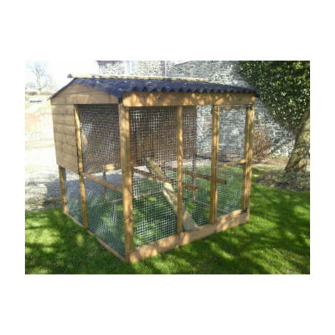 Raised poultry house and adjoining walk-in run
