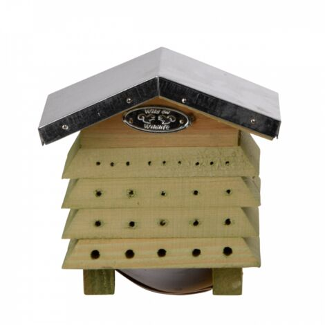 Refugio de madera de pino con techo de zinc. para abejas