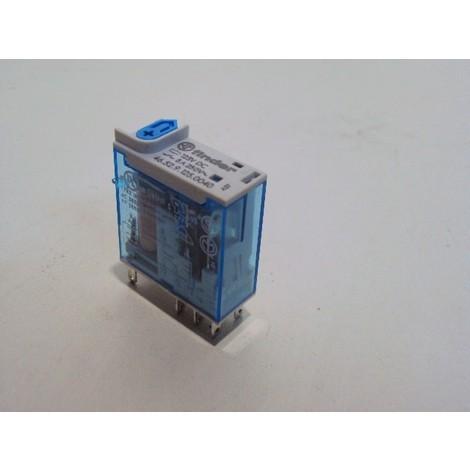 Relais industriel miniature 2 contacts 8A 125Vdc inverseur FINDER 465291250040
