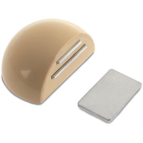 Retenedor de puerta con imán adhesivo marca REI, fabricado en plástico, con acabado crema y diseño redondeado