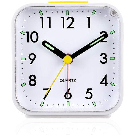 """main image of """"Réveil analogique silencieux sans tic-tac, réveil en douceur, bips sonores, augmentation du volume, fonctions de répétition et d'éclairage à piles, réglage facile, blanc"""""""