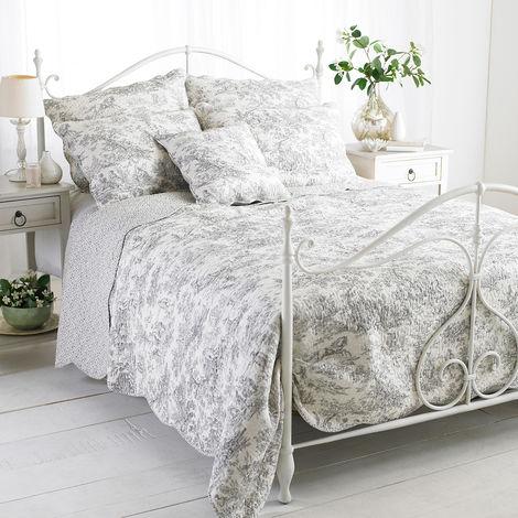 Riva Home Canterbury Tales Bedspread