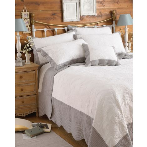 Riva Home Fayence Bedspread