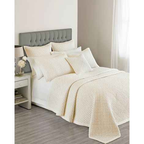 Riva Home Limited Edition Charroux Waffle Style Bedspread (240 x 260cm) (Ivory)