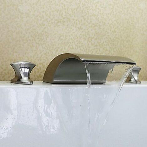 Robinet de salle de bain effet cascade