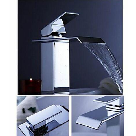 Robinet salle bain à bec plat et finition chromé, un robinet à ...