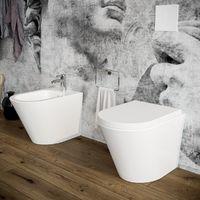 Sanitari bagno Bidet e Vaso WC filomuro a terra in ceramica con sedile coprivaso softclose. Arco