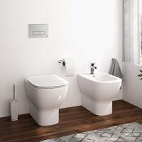 Sanitari filo muro Ideal Standard Tesi AquaBlade con scarico traslato con sedile termoindurente