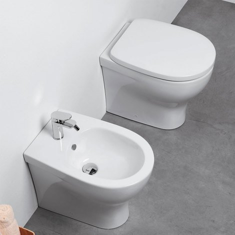 Sedile Bidet Per Wc.Sanitari Filo Parete Ceramica Azzurra Pratica Wc E Bidet Con Sedile