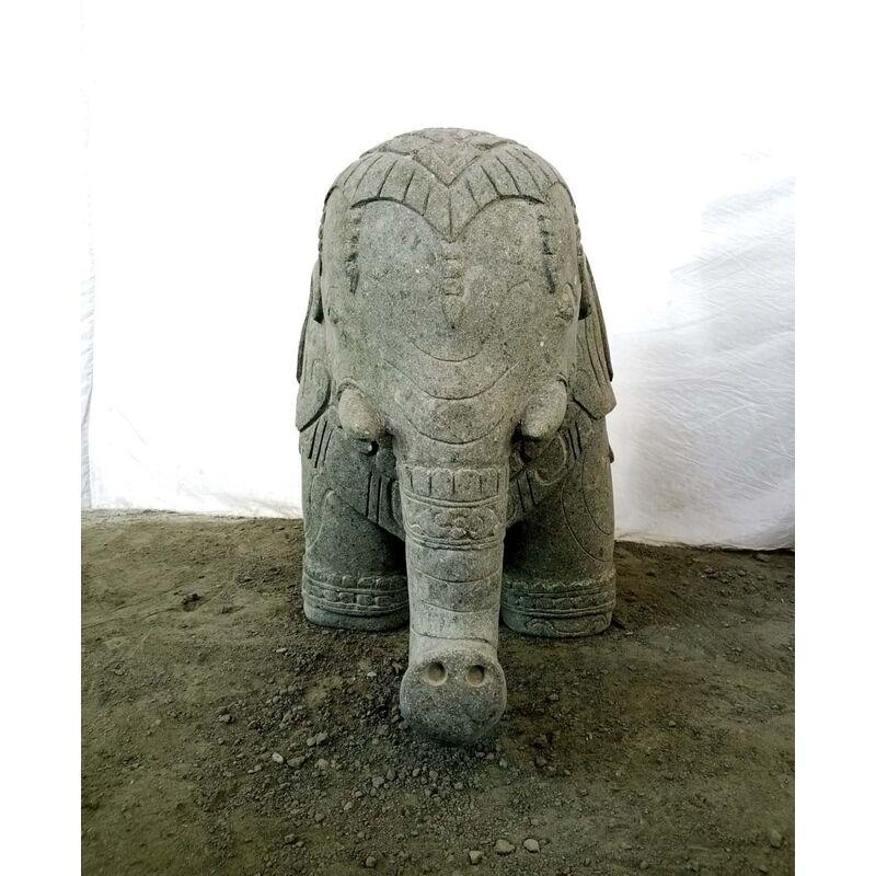 Sculpture jardin en pierre volcanique éléphant indien 100 cm