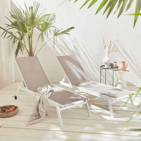 Set of 2 ELSA sun loungers in white aluminium and taupe textilene, adjustable loungers with wheels