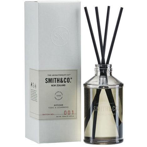Smith & Co. 250ml Reed Diffuser - Tabac & Cedarwood