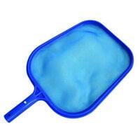 Standard surface landing net for swimming pool and spa
