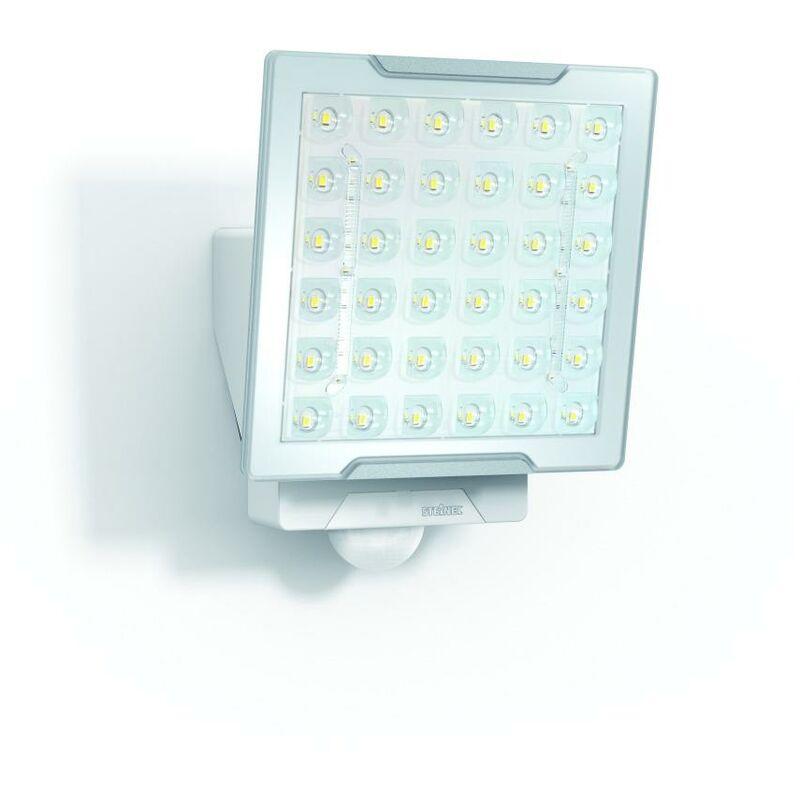 LED-Strahler 25W XLED 4000K 2400lm ws mt 1LED IP44 Konv breitstrahlend m.BWM