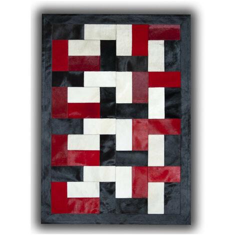 Tapis noir, blanc et rouge sur peau de vache patchwork Ceuta Noir 140x200 - Noir