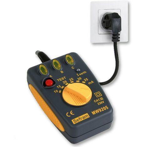 """main image of """"Testeur de disjoncteur différentiel 30mA et de câblage des prises secteur"""""""