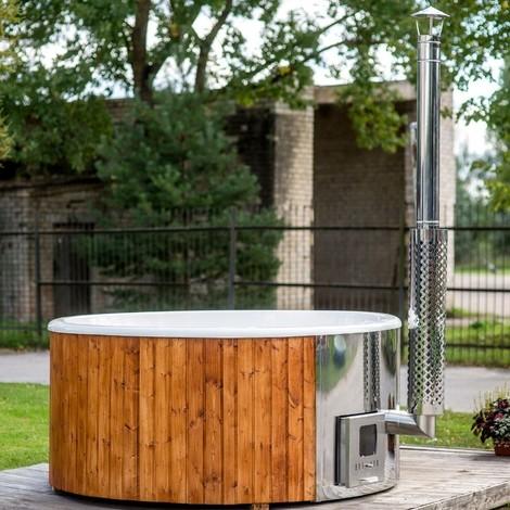 676811ea5a5d Tinozza vasca per esterno in legno con scocca in vetroresina e stufa a legna