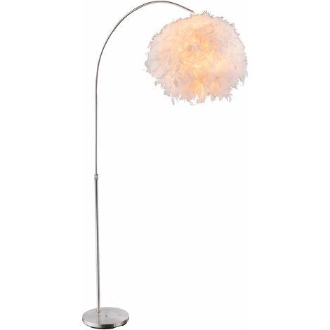 Un lampadaire intérieur avec un abat-jour blanc avec plumes