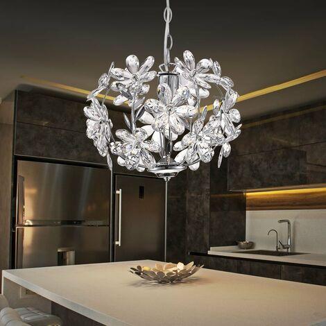 Un lustre en chrome avec des décorations florals en acrylique clair