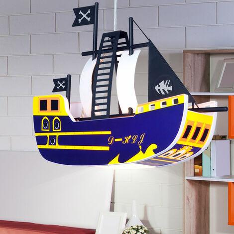Une suspension sous forme d'un bateau de pirates