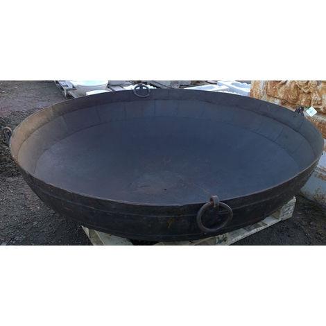 Vieux conteneur en fer forgé L175xPR175xH47 cm